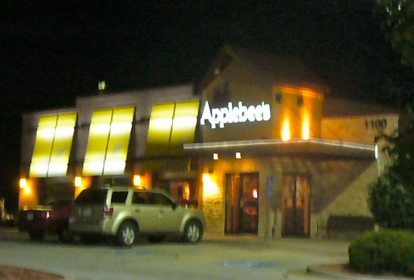Applebee's, Blue Springs